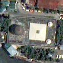 Satellite image of the Golden Mosque (Masjid Al-Dahab) in Quiapo, Manila.