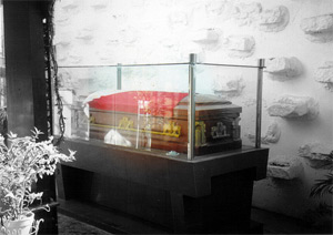 Casket containing the remains of Gregorio Aglipay.