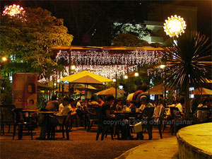 Open air dining at the Plaza Divisoria
