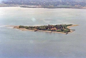 Aerial view of Kawit Island from decades ago.